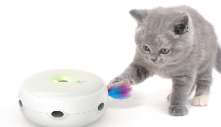 Interactive Cat Toys, VAVA Pet Cat Toys Three Modes Day&Night Play Automatic Randomly Stimulates Cat's Senses Easy Replace Feather(Included Battery&Spare Feather)